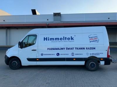 Zdjęcie przedstawiające busa Himmeltek, którym dostarczane są tkaniny marki Himmeltek.